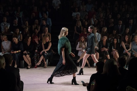 Grand Showcase Runway-506